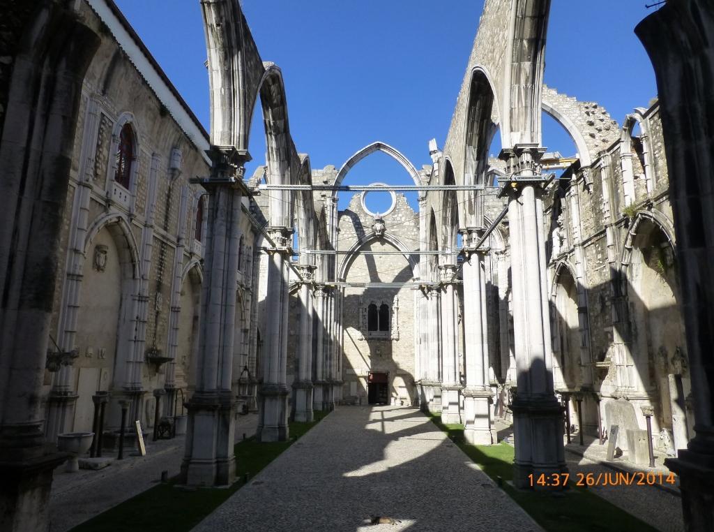 PORTUGAL . Lisboa – Ruínas e Museu Arqueológico do Carmo.