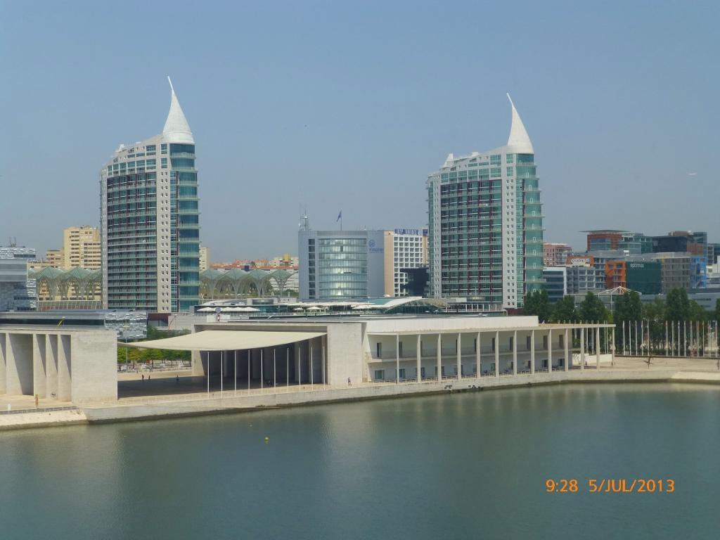 PORTUGAL . LISBOA . Centro Comercial Vasco da Gama e Parque das Nações.