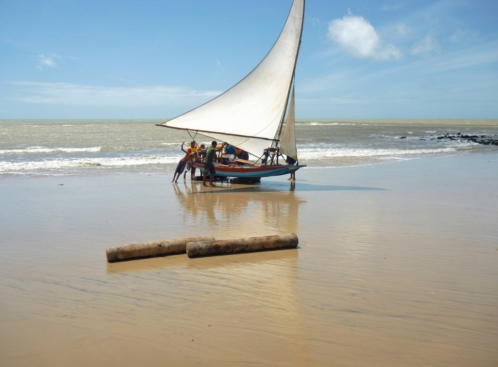 BRASIL . RIO GRANDE DO NORTE – Praia de Caraúbas, Farol de São Roque, Árvore do Amor. Mate Três Coelhos Com Uma Só Cajadada.