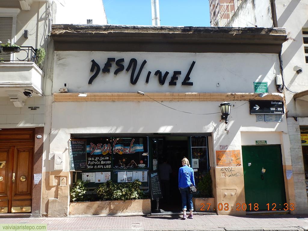 ARGENTINA . BUENOS AIRES: Restaurante El Desnível . É o Próprio, Em Todos Os Sentidos.