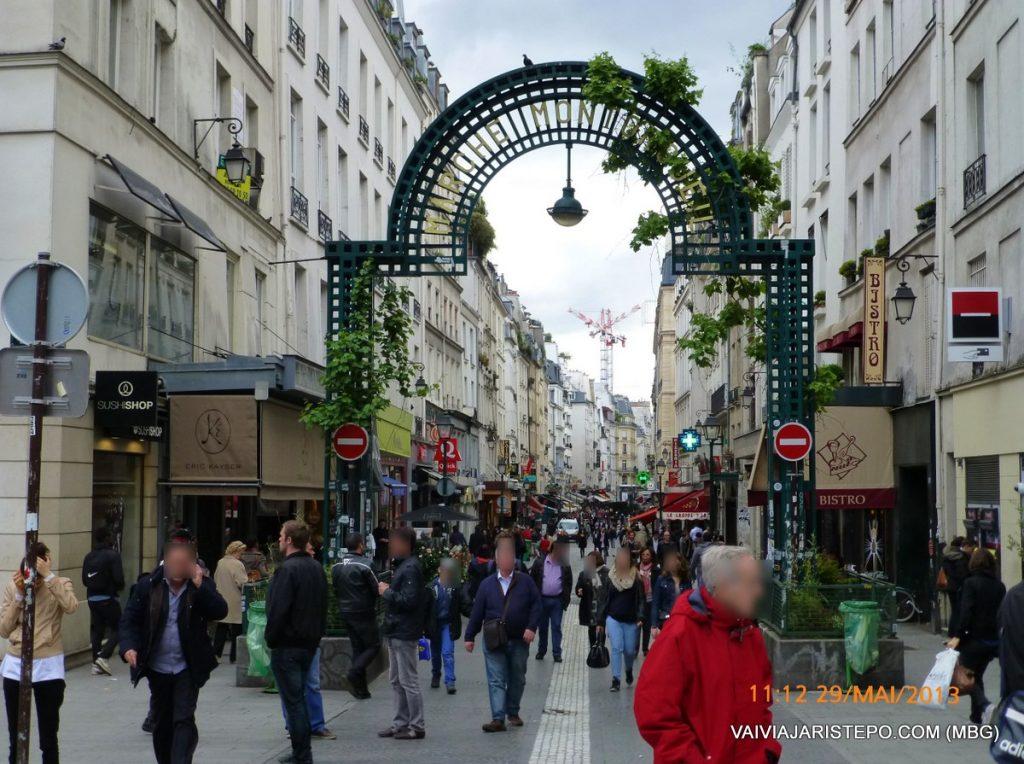 FRANÇA. PARIS . La Grille Montorgueil.