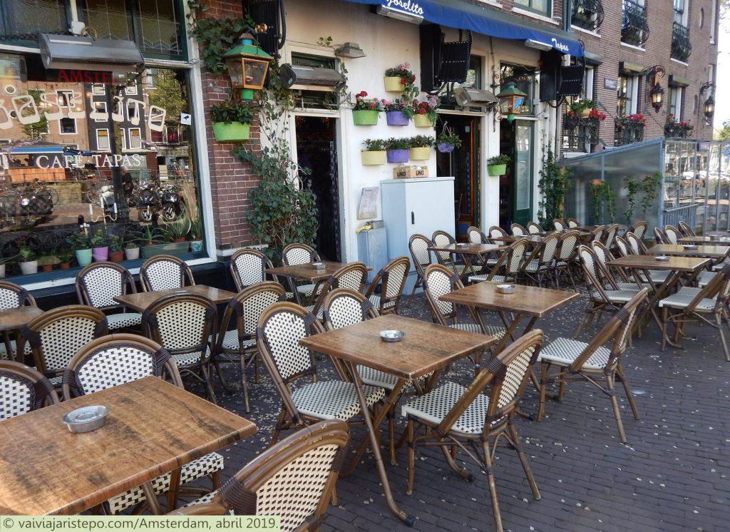 HOLANDA . AMSTERDAM . EL JOSELITO . Café e Tapas. Cardápio Variadíssimo. Muito Bom!