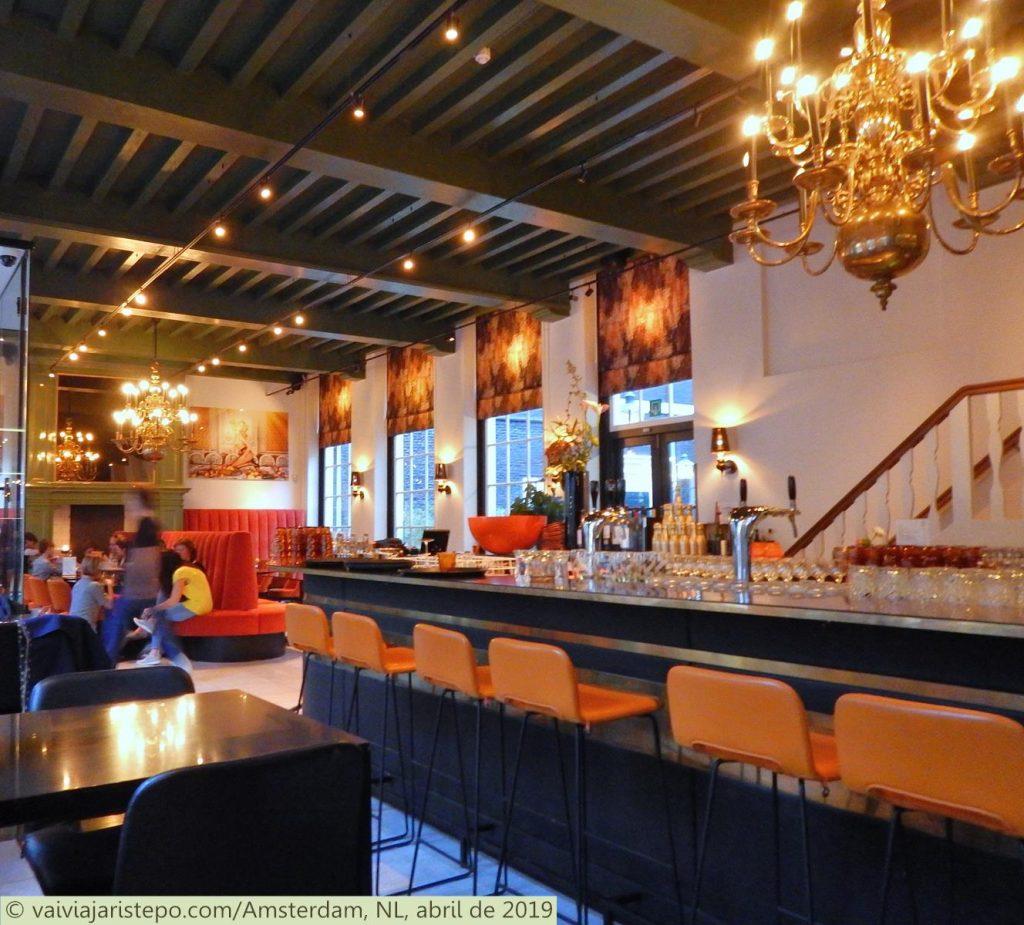HOLANDA . AMSTERDAM . STUYVESANT – Onde Comer Em Um Lugar Muito Charmoso..