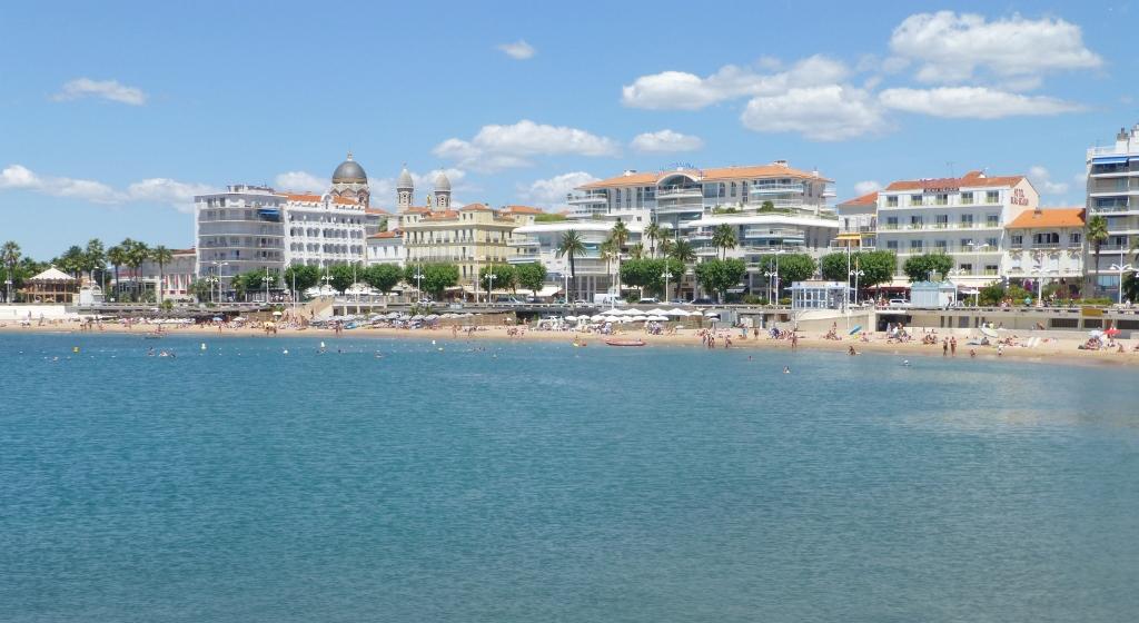 FRANÇA . SAINT RAPHAEL . Côte D'Azur – Como Chegar Partindo de Nice.