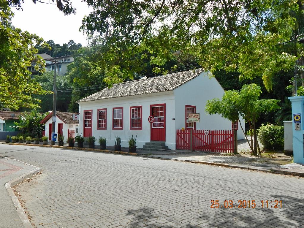 BRASIL . SANTA CATARINA . ILHA DE SANTA CATARINA . Sambaqui: Cantinho Charmoso em Florianópolis.