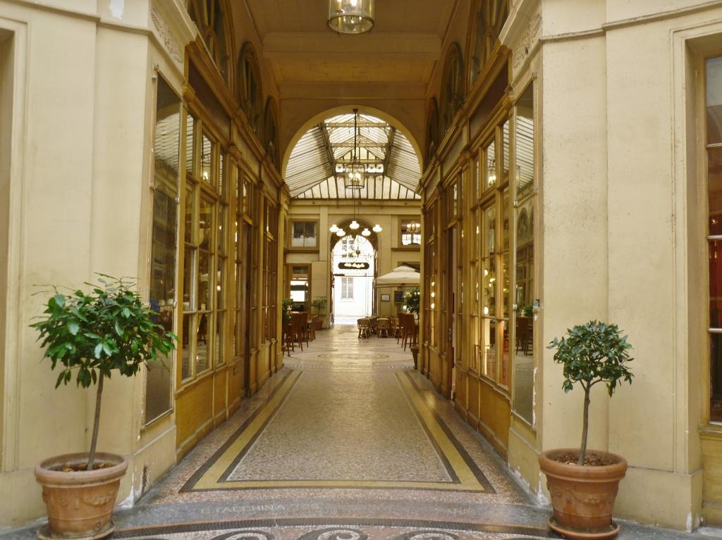 FRANÇA . PARIS: Panoramas, Joufroy, Verdeau, Vivienne e Colbert – Passagens Cobertas em Paris. Visitas Apaixonantes!