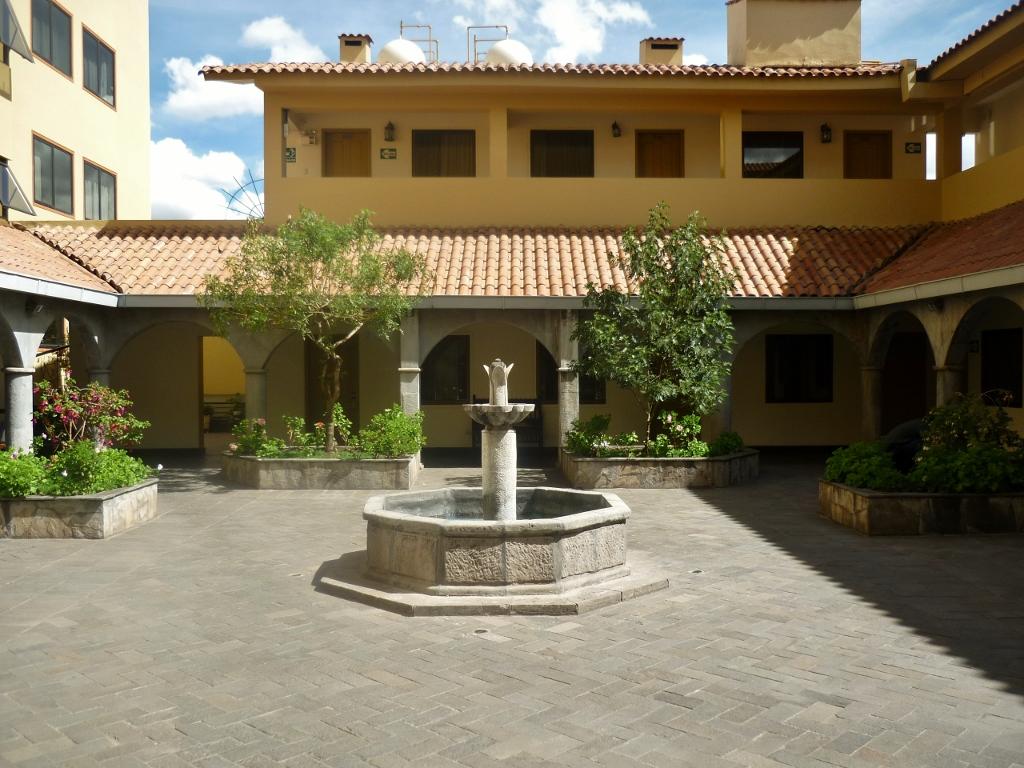 PERU . CUSCO: Hotel Jose Antonio – Afastado do Centro da Cidade.