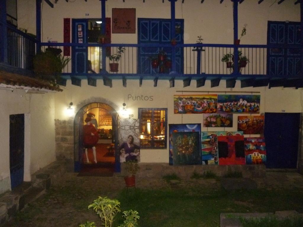PERU . CUZCO . La Cicciolina: Restaurante Concorrido No Centro Histórico de Cuzco.