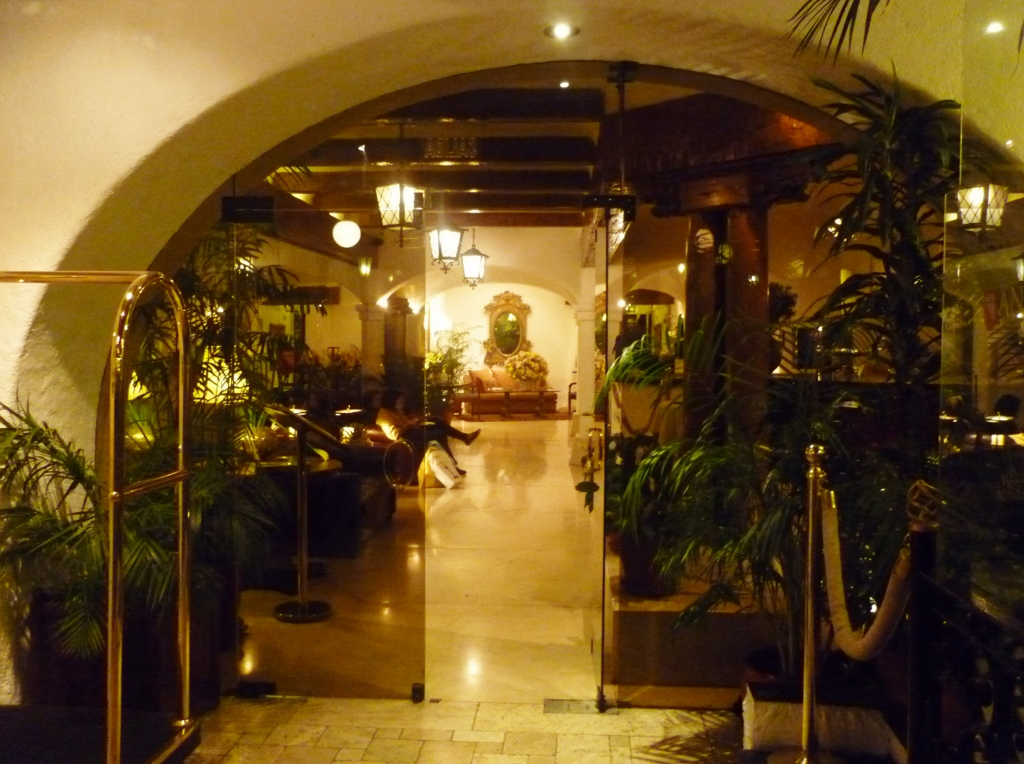PERU. LIMA . Gracia, Restaurante Sem Gracia Nenhuma.