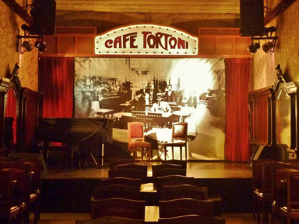 ARGENTINA . BUENOS AIRES . Café Tortoni – Um dos Cafés Emblemáticos da Cidade.