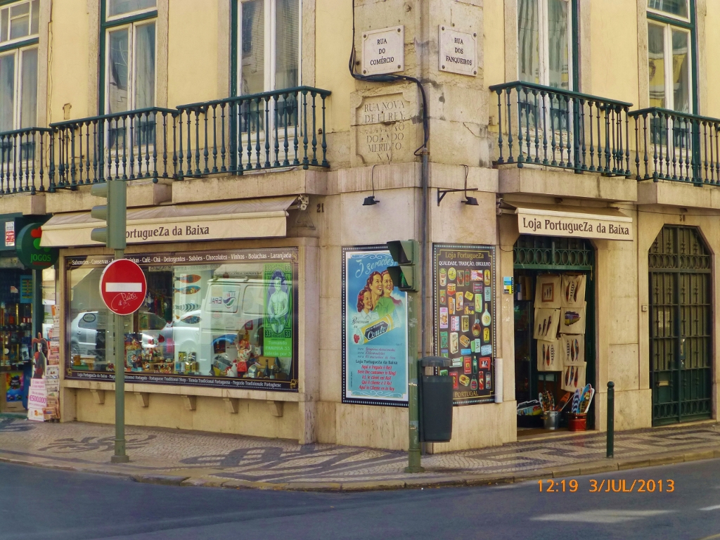 PORTUGAL . LISBOA . LOJA PortugueZa DA BAIXA – Festa Para Consumidores.