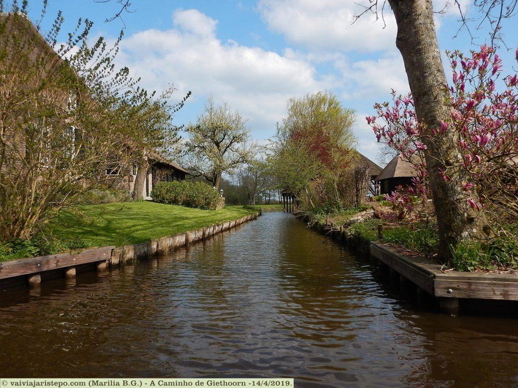 HOLANDA . GIETHOORN . Um Lugar Indescritível! Pertinho de Amsterdam.